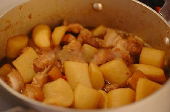 Hướng dẫn cách làm Thịt kho củ cải ngon.